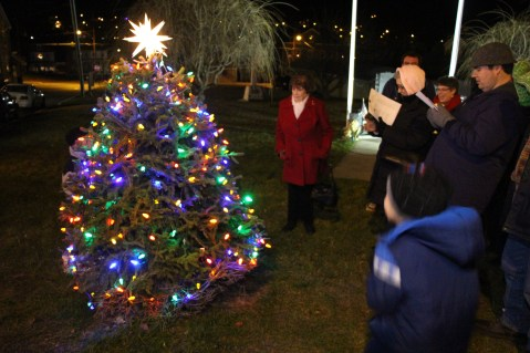 Nesquehoning Holiday Tree Lighting, via Lions Club, Nesquehoning, 12-5-2015 (4)