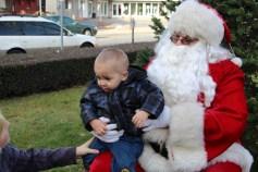 Santa Claus Stops at American Hose Company, Tamaqua, 12-20-2015 (38)