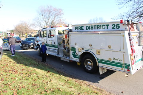 Two Vehicle Accident, Lafayette Avenue, SR54, Hometown, 12-10-2015 (13)