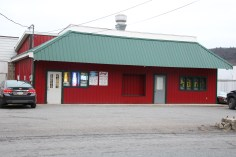 business-of-the-day-padoras-six-pack-north-railroad-st-tamaqua-1-19-2017-3