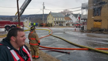fire-200-block-of-north-second-street-lehighton-1-9-2017-30