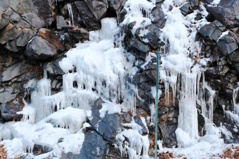 ice-formations-hometown-hill-tamaqua-1-15-2017-1