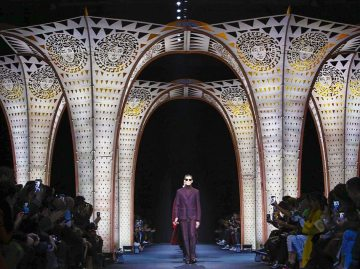 Versace Menswear F/W 2017 Milan 6