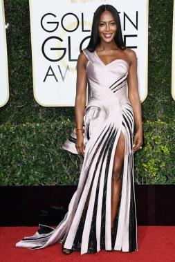 Naomi Campbell in Versace Golden Globes 2017