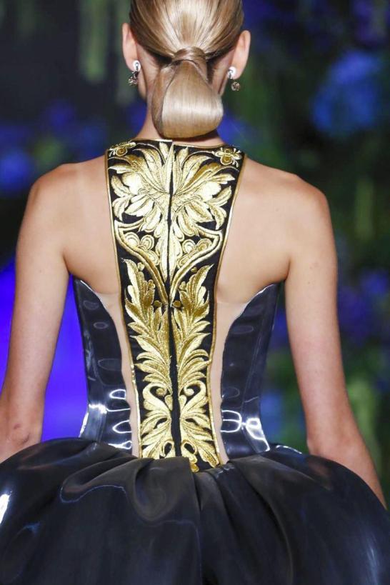 Guo Pei Couture Fall Winter 2017 - Paris Couture Week