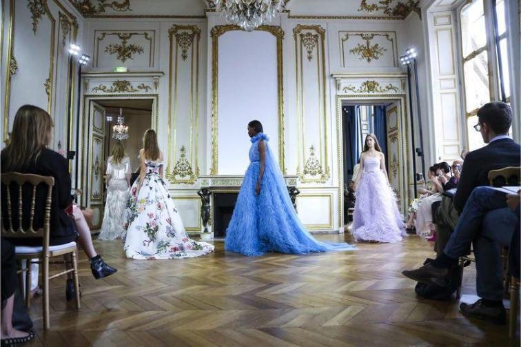 Monique Lhuillier Fall Winter 2017 Paris Couture Week