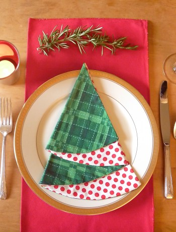 Easy Christmas Napkins