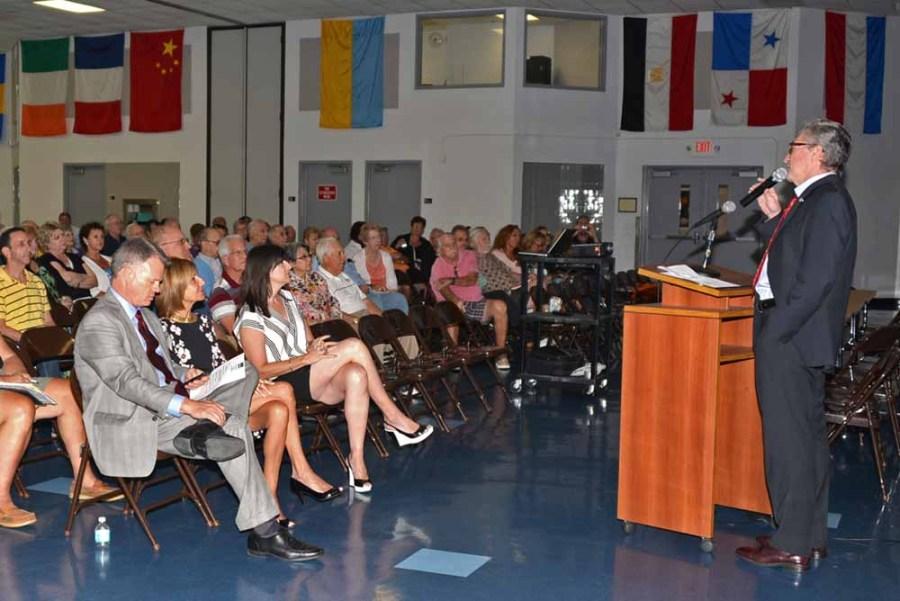 Mayor Dressler speaks at the April 15 Neighborhood Meeting in Tamarac