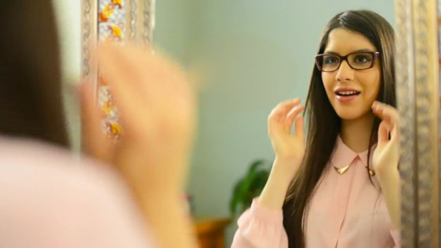 Tamara-Rodriguez_America's-Best-Eyeglass-World-Commercial_02