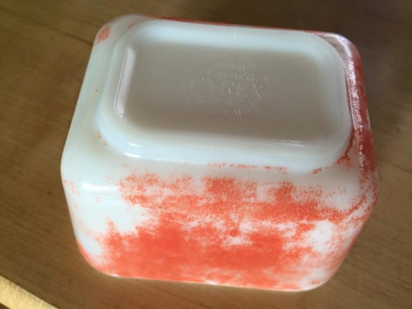 Vintage Pyrex Food Storage: Even with very worn paint this is still positive for Lead (Pb) at 23,000 ppm.