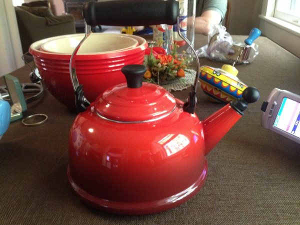 Red Enamel Le Creuset Tea Kettle (tested in 2014): 11, 900 ppm Cadmium + 103 ppm Lead