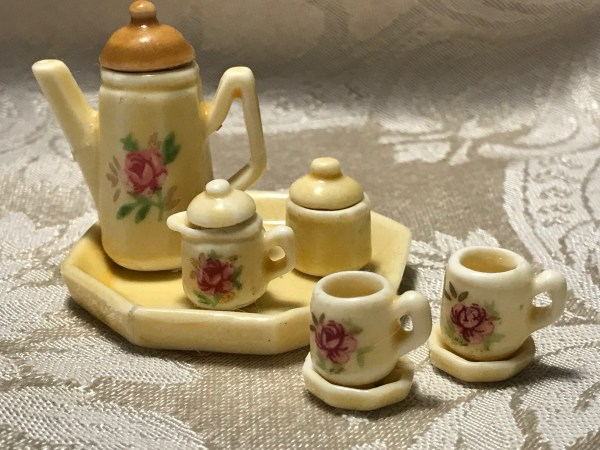 Vintage Miniature Tea Set, Made in Taiwan: 14,200 ppm Lead + Cadmium too!