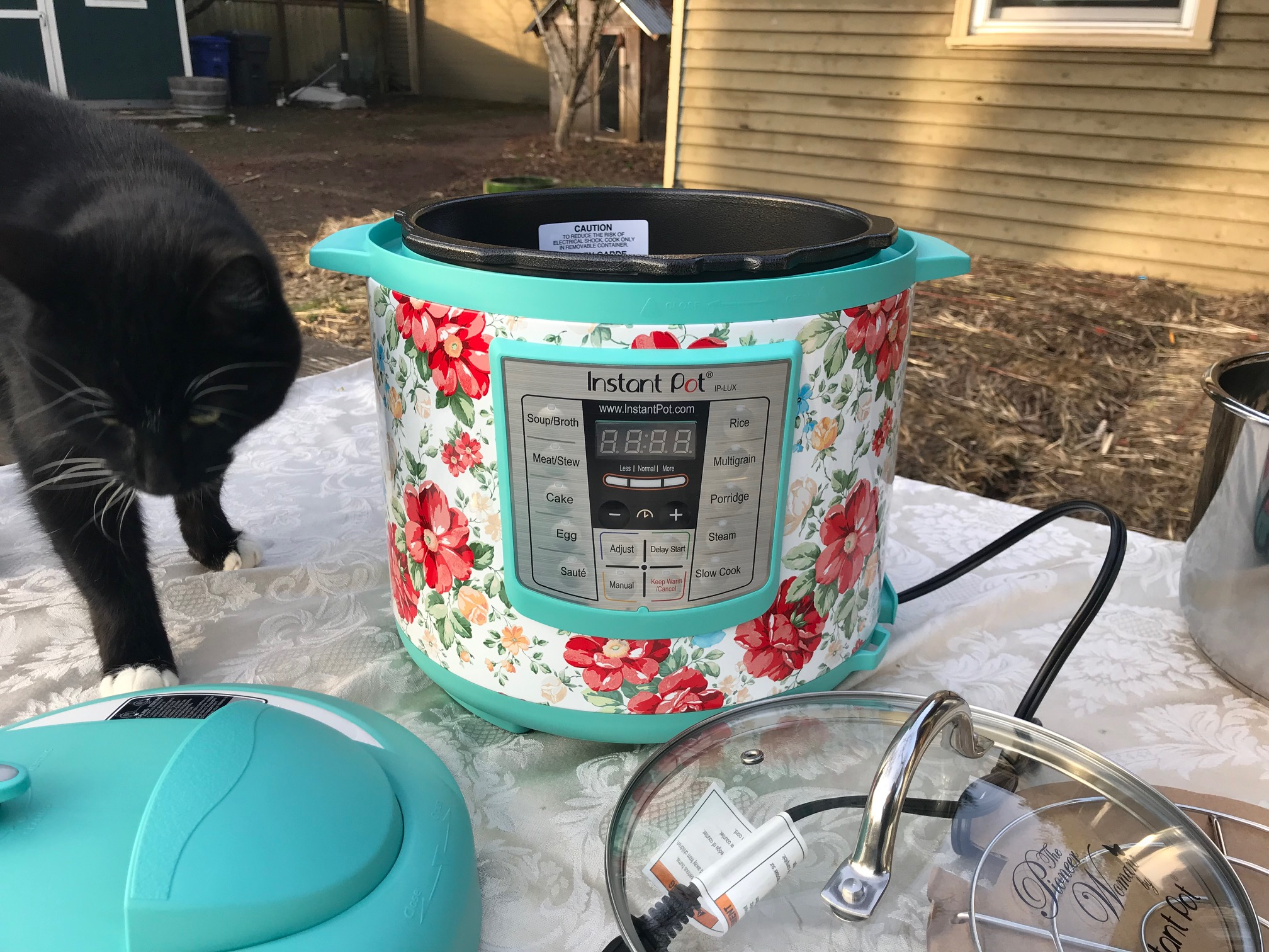 "XRF test results for Pioneer Woman Instant Pot: Heating Element Positive for 443 ppm Lead. Instant Pot is the ""lead-safest"" option out there."