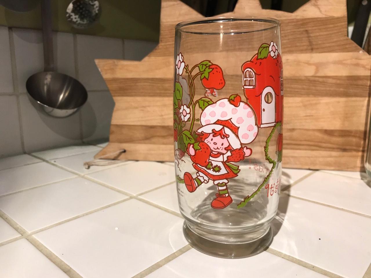 Vintage 1980 Strawberry Shortcake Glass: 65,800 ppm Lead + 2,622 ppm Cadmium + 77 ppm MERCURY! [90 ppm Lead is unsafe for kids.]