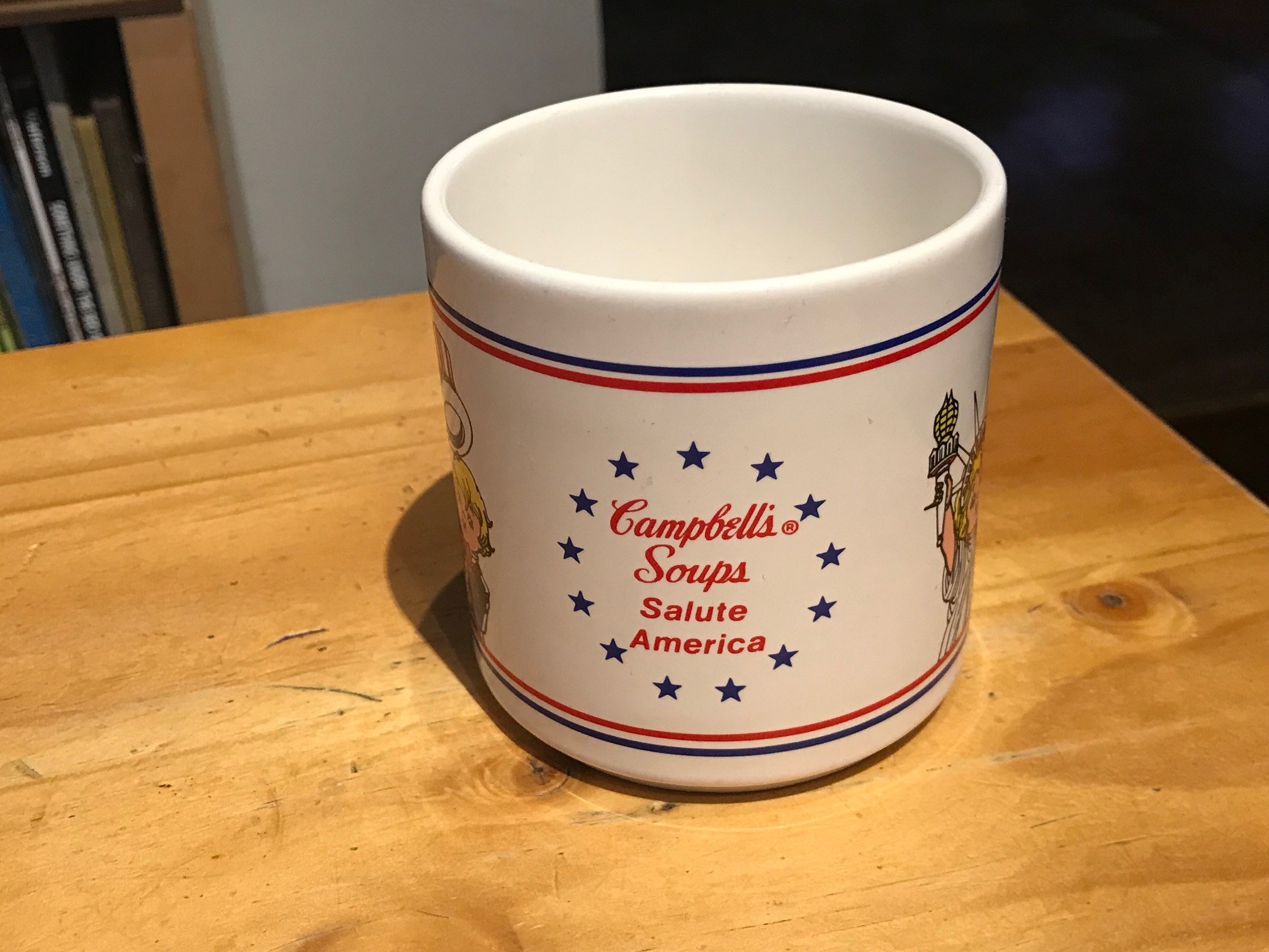 "Campbell's Soups Salute America 1976 Ceramic Soup Mug: 65,300 ppm Lead + 882 ppm Cadmium [mmmm ""Lead is good food! - NOT]"