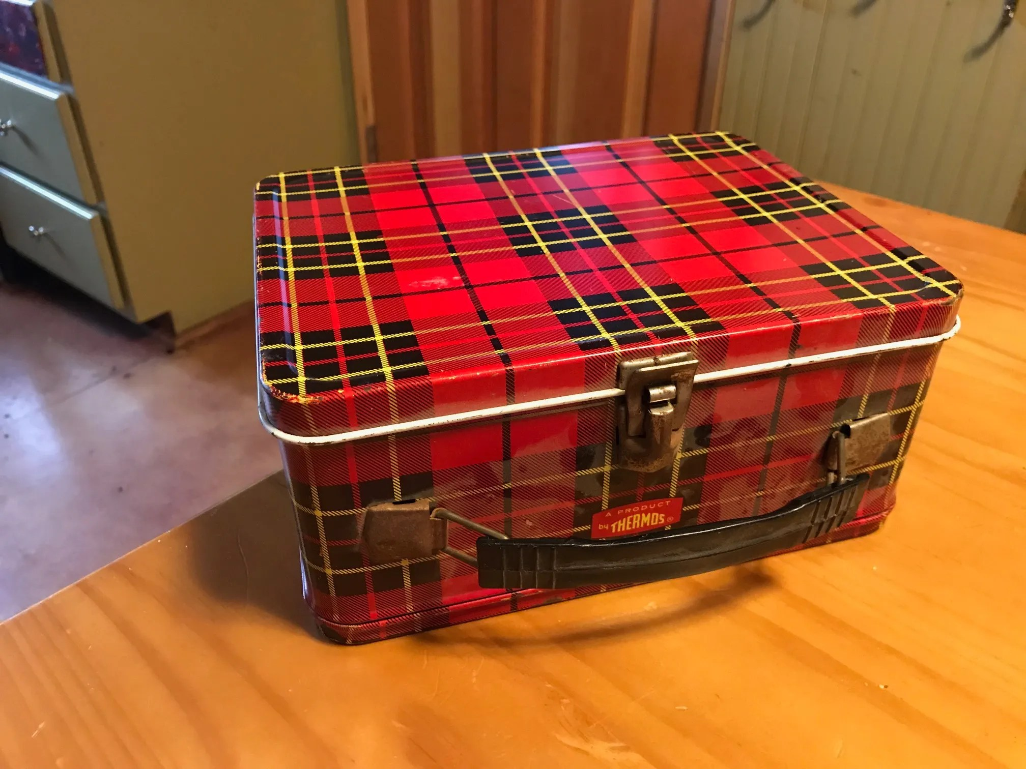 Vintage Red Plaid Thermos Brand Lunchbox: 58,400 ppm Lead + 6 ppm Mercury [90 ppm Lead is unsafe for kids]