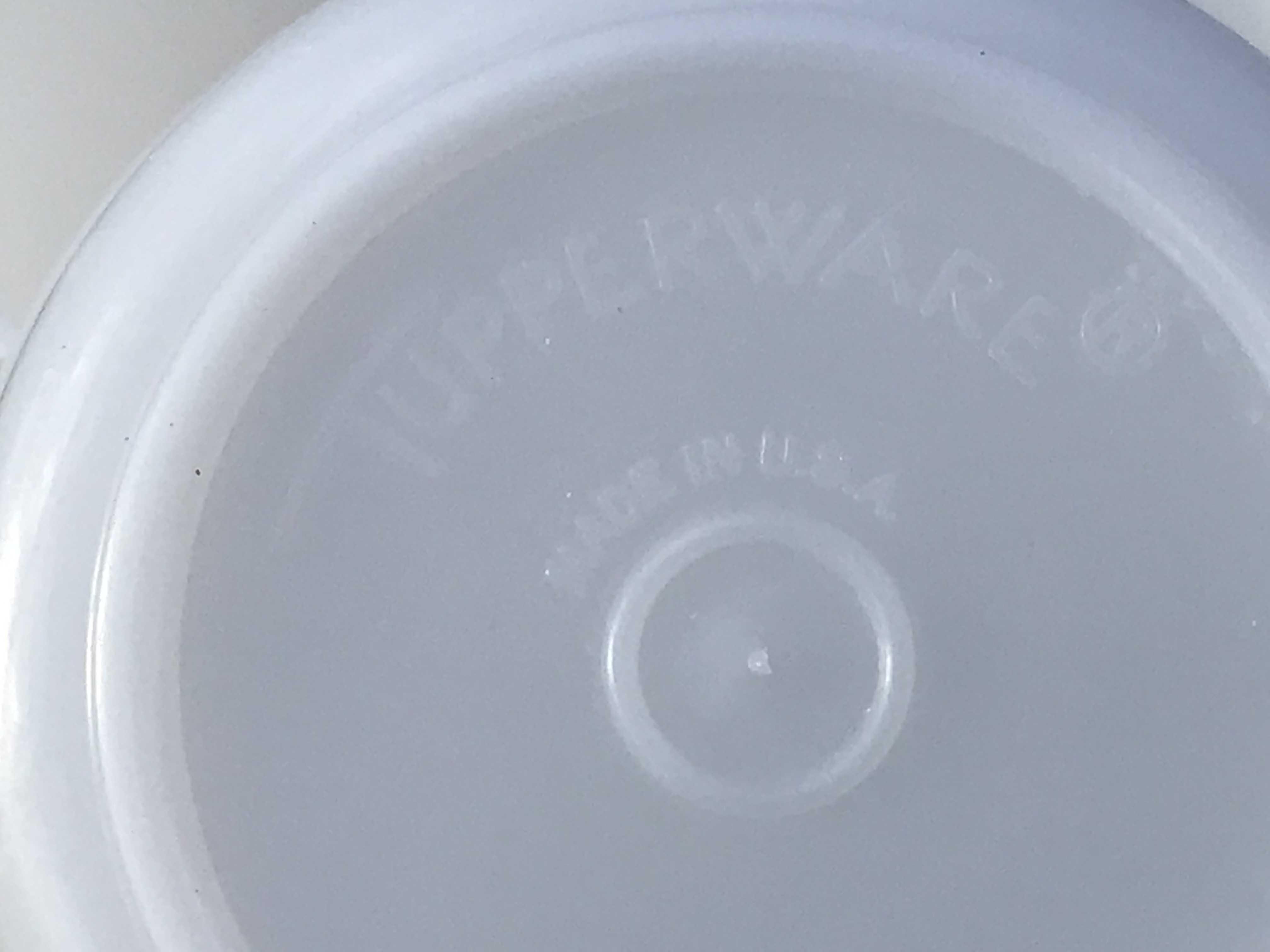 White Tupperware Vintage Measuring Cups: Non-detect for Lead, Mercury, Cadmium and Arsenic.