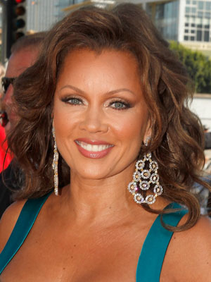 Vanessa Williams and Kim K Chat Over Cheese Biscuits