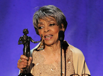 Ruby Dee Accepts SAG award in 2008
