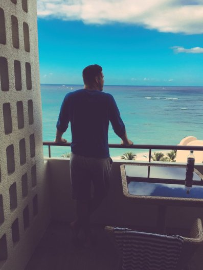 Jax enjoyed his oceanfront room in Hawaii for a week when he returned for court.
