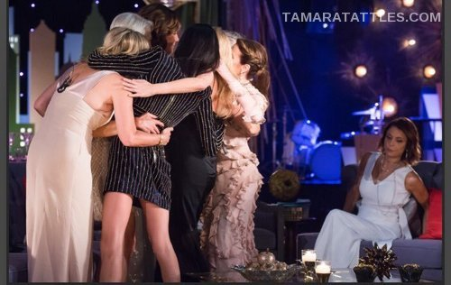 RHONY Reunion group hug no beth