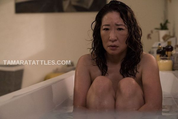 Killing Eve emotional Eve in the bathtub