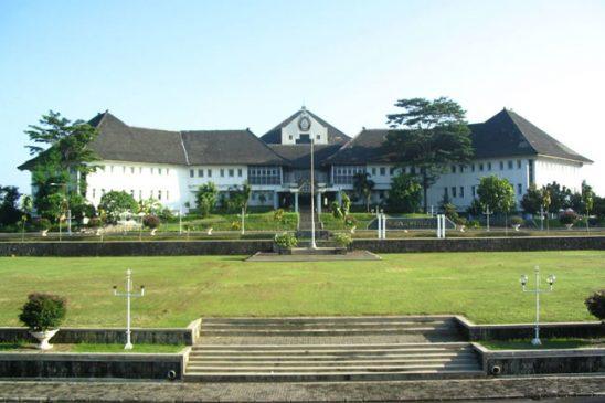 Mengenal Universitas Diponegoro (Undip)