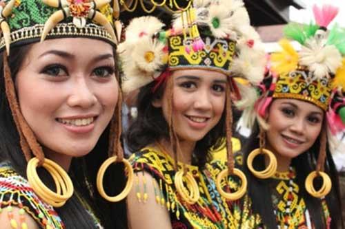 12 Suku di Pulau Kalimantan Serta Penjelasannya
