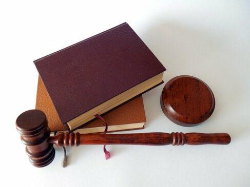 hukum etika penyiaran dan jurnalistik