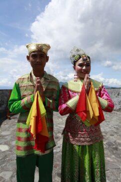 9 Pakaian Adat Maluku Serta Penjelasannya