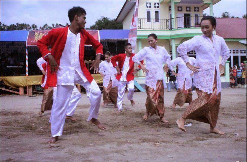 Kebaya Dansa