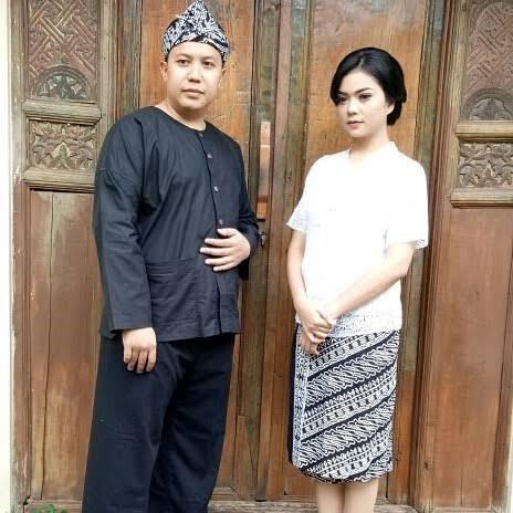 Pakaian Adat Jawa Barat untuk Kelas Bawah