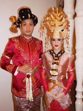 10 Pakaian Adat Sumatera Utara Serta Penjelasannya