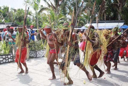 7 Senjata Tradisional Papua Yang Membudaya
