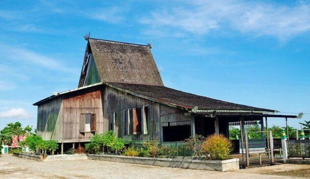 11 Rumah Adat Kalimantan Selatan Serta Penjelasannya