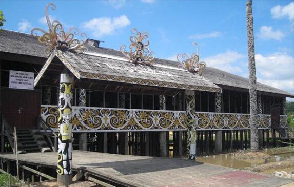 Rumah Adat Kalimantan Timur Serta Penjelasannya