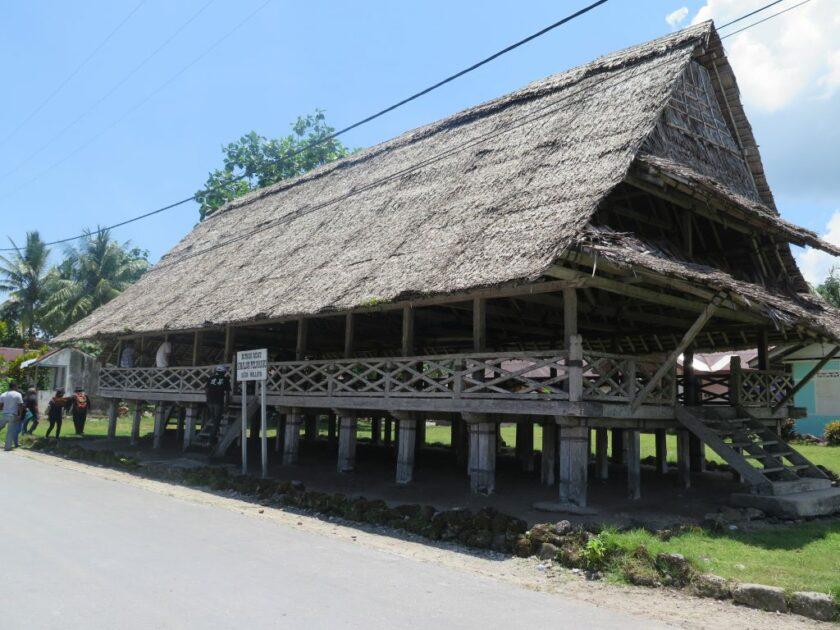 Rumah Adat Baileo