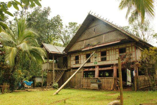 5 Rumah Adat Sulawesi Selatan Serta Penjelasannya