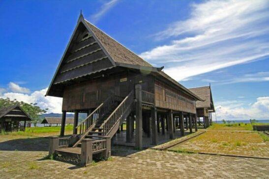 Rumah Adat Sulawesi Barat Serta Penjelasannya