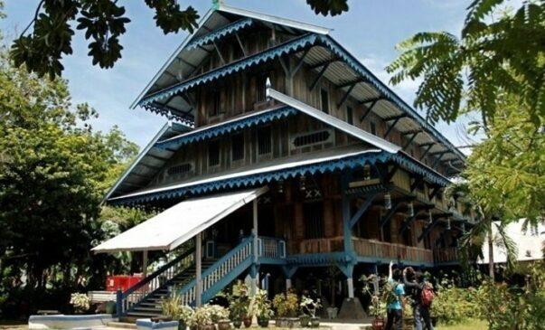 Rumah Adat Sulawesi Tenggara Serta Penjelasannya