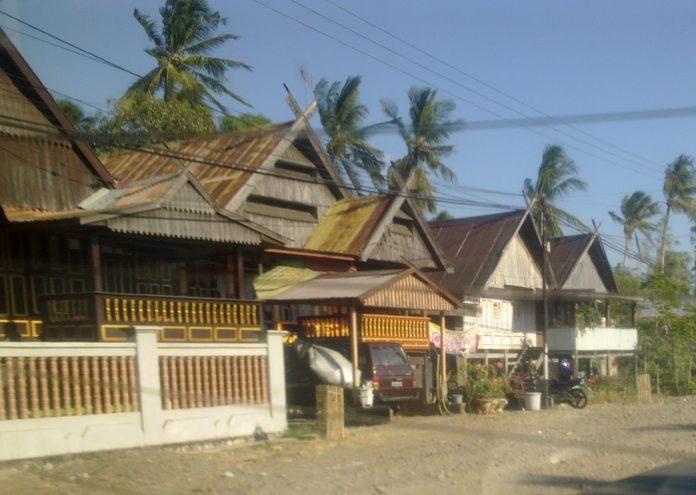 Rumah Adat Bugis-Makassar