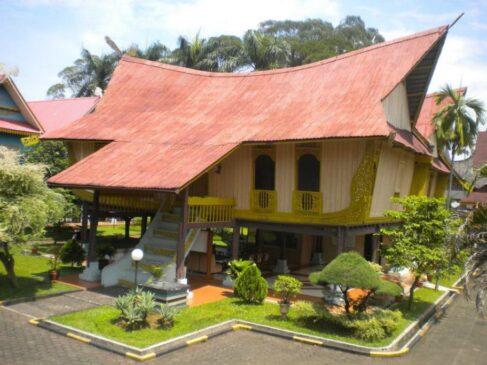 6 Rumah Adat Riau Serta Penjelasannya