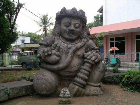 Arca Dwarapala