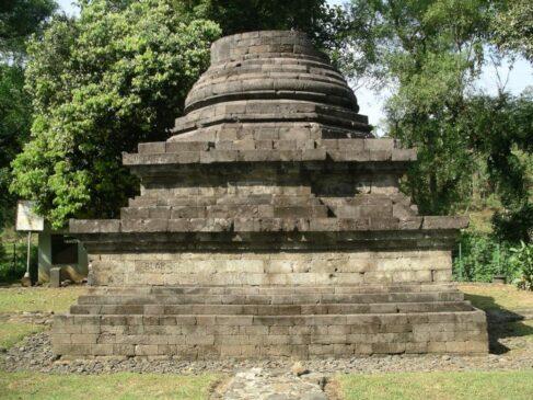 Stupa Sumberawan