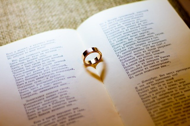 Aku, kamu, dan puisi cerpen romantis