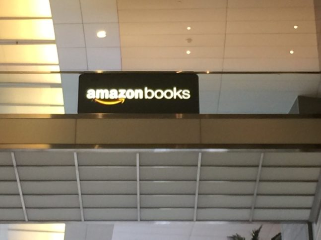 Amazon-Books-Sign