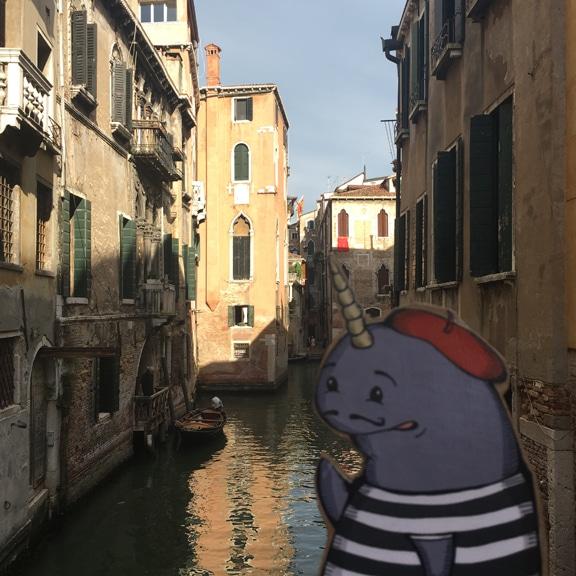 Mort in Venice, Gondolier!