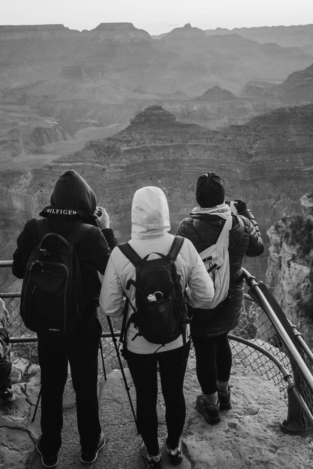 Photographers waiting to photograph sunrise at Yavapai point in the South Rim of the Grand Canyon by photographer Tami Keehn.