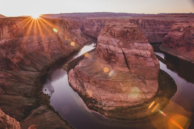 Sunset at Horseshoe Bend in Page, Arizona by photographer Tami Keehn