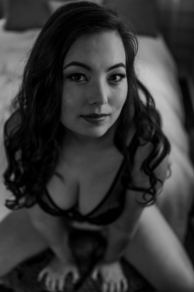 Black and White boudoir from St Petersburg Boudoir photographer Tami Keehn.